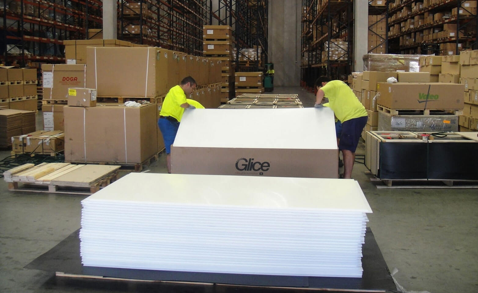 Synthetic ice warehouse and packaging