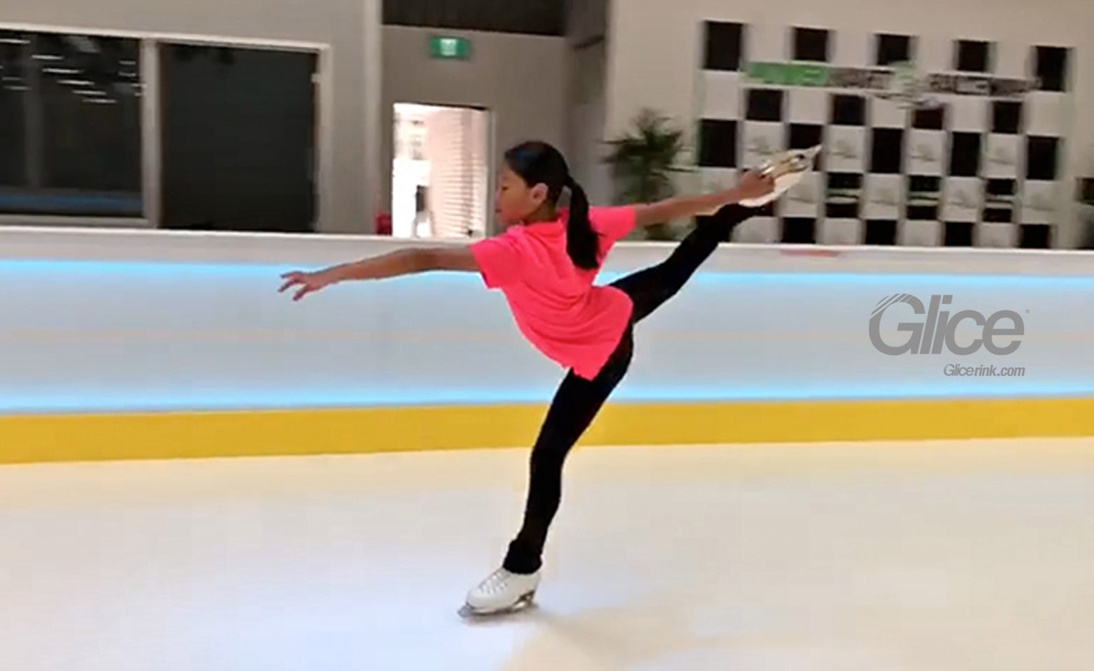 Up and coming figure skater on first synthetic ice rink in Melbourne